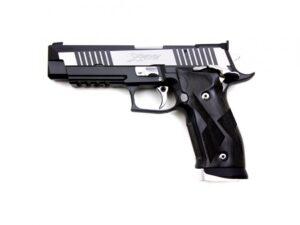 P226 Black and White